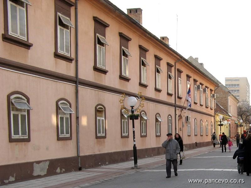 http://www.pancevo.co.rs/wp-content/uploads/2009/02/zatvor-u-pancevu.jpg